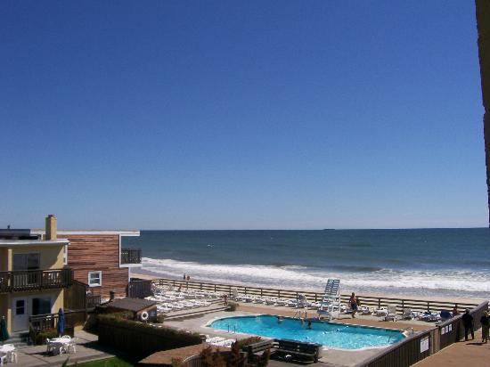 Atlantic Terrace pool
